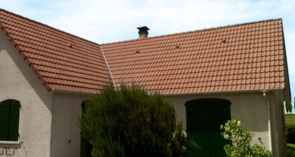 sos demoussage photos nettoyage toiture avant apr s. Black Bedroom Furniture Sets. Home Design Ideas
