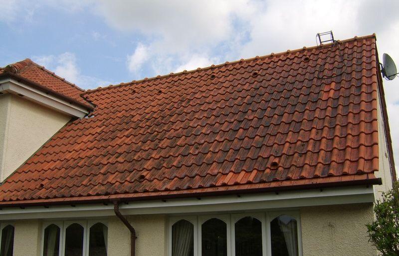 sos demoussage nettoyage toiture bourg en bresse et dans l 39 ain. Black Bedroom Furniture Sets. Home Design Ideas